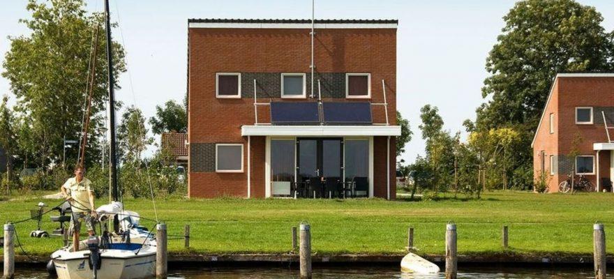 Wasser Villa mit Liegeplatz