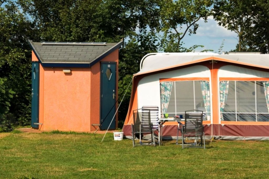 Camping met privé unit