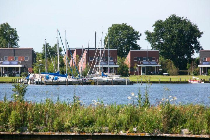 Villa aan het water