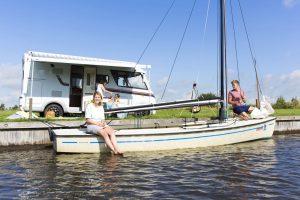 Kamperen aan het water zomervakantie Friesland